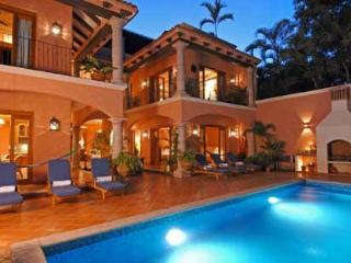 Lux 4-7 BR Hacienda w/Staff, Steps to Beautiful Beach, Bucerias