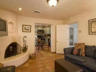 Casas De Guadalupe - Casita B - Cute and Cozy, Off the Plaza, Santa Fe