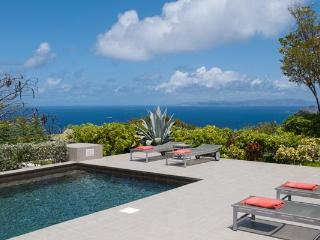 Located high on a hillside with 270º views over the ocean WV VBB, Colombier