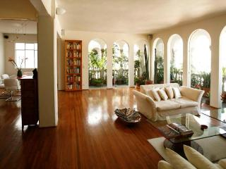 Luxury penthouse, superb views, in historic center, Mexico City
