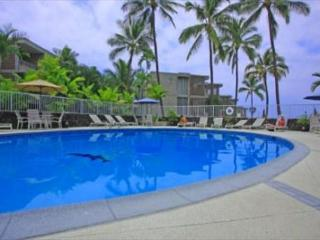 Alii Villas 340 Gorgeous Top floor Condo. Wifi! Great price!, Kailua-Kona