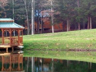 Lazy Days Cabin/ private and romantic free fishing