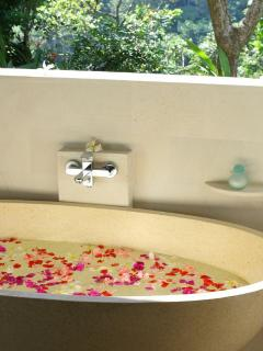 Tropical flower bath