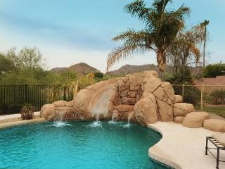 NEED MORE SPACE? Amazing Estate-Heated Pool -Spa, Scottsdale
