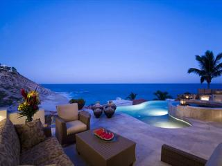 Casa Bella 5bdrm Ocean view, elegant & complimented with services