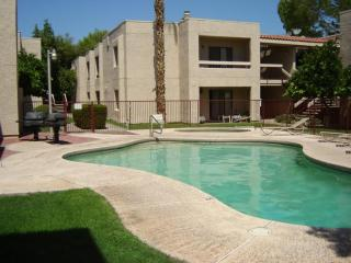 Relaxing quiet Old Town Condo-Close to everywhere, Scottsdale