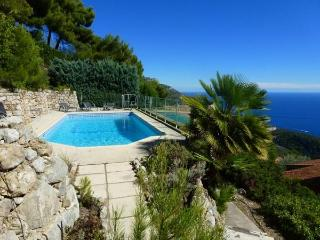 New Nice Villa with Pool and Amazing View, 10 minutes to Monaco, Èze