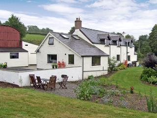 CELYN COTTAGE, romantic, country holiday cottage, with a garden in Pentre Celyn, Ref 4260, Ruthin