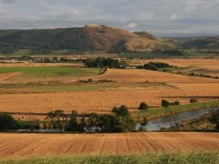 The cottage is close to the River Earn with open views over the Strathearn Valley to Ochil Hills.