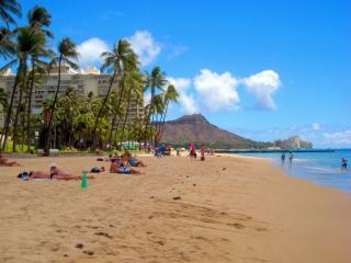 Modern Luxury in Waikiki - Regency on Beachwalk, Honolulu