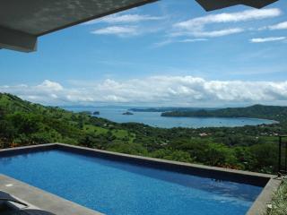 Villa Santaluz- Luxurious Ocean View Villa, Playas del Coco