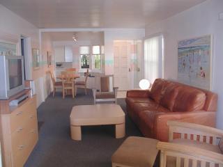 2656 Ocean Front Walk, Living Room