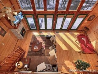 Secluded 1 Bedroom Cabin Bordering The Great Smoky Mountain National Park, Gatlinburg