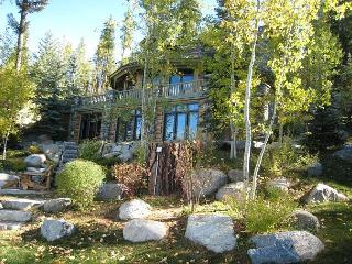 Still Point Lodge - Beautiful Custom Payette Lakefront home with guest house., McCall
