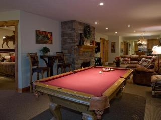 Pool table, private deck and hot tub,stone  fireplace