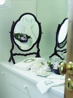 House of the Sky: Antique old mirror at the marble bathroom