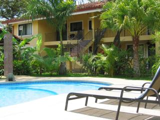 Over 1000 sq ft Condo Near Beach and Attractions!, Playas del Coco