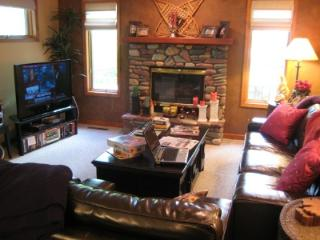 3 Bedroom 2 1/2 bath Mtn Harbor condo, Whitefish