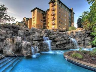 RiverStone Resort 4 Bedroom, 4 Bath Luxury Condo, Pigeon Forge