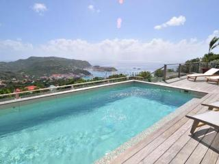 Private villa with incredible views up on the hill in Colombier WV ING