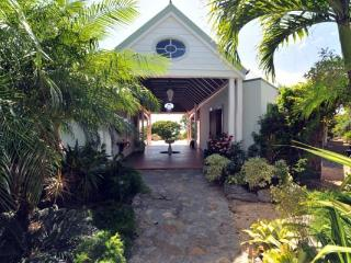 Secluded, quiet villa with lush gardens & attractive pool WV JAX, Gouverneur