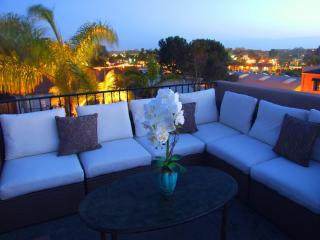 Cottage by the Beach, Cedros and Del Mar Racetrack, Solana Beach