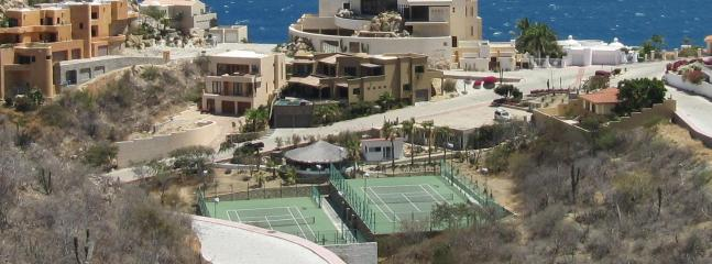 Access to Pedregal's Tennis Courts