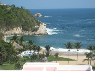 Huatulco- Bella Vista Mexican Riviera-Pacific Coast, Mexico -