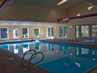 *Promo!* - Beautiful Oceanfront Condos - Single Bedroom - Indoor Pool & Hot Tub!