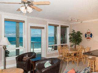 Oceanfront Condo-Private Hot Tub-Pool-WiFi-HDTV