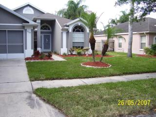 nice clean home with pool, New Port Richey