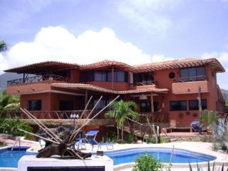 Exclusive Caribbean Villa, Private Pool and Garden, Playa el Agua