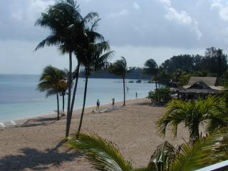 Luxury Beachfront Suites (3) at Old Bahama Bay
