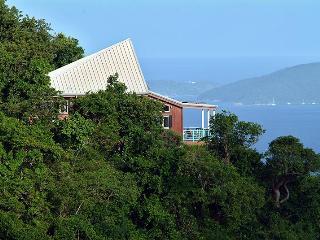 DeBolina, Coral Bay