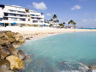 Beautiful Studios at Flamingo Beach - St Maarten, Simpson Bay