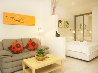 Raanana Luxury - Deluxe Studio  + Garden - REF04, Ra'anana