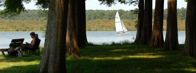 Sailing on Soustons lake - 5 x 2 km lake allows for amazing watersports