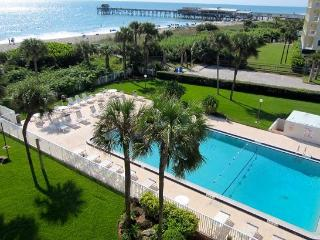 ** Direct Oceanfront Penthouse ** Next to Pier!