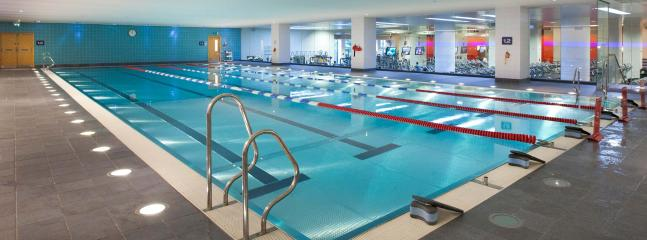 PRIVATE SWIMMING POOL + GYM A 5 MINUTE.WALK AWAY FROM THE PENTHOUSE. THERE IS AN ENTRY FEE.