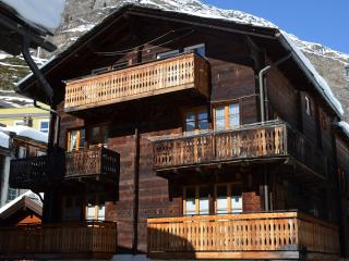 Chalet Heidi Zermatt - central&traditional Swiss feeling - Mountain Exposure AG