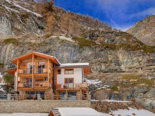 Mountain Exposure Chalet Ibron - independent freestanding, sauna, Zermatt