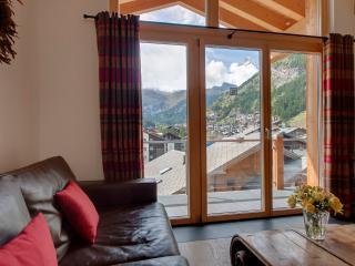 The Zermatt Lodge Mountain Exposure - Large Penthouse, Matterhorn View, Sauna