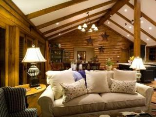 Beautiful Sun Valley Log Home, Ketchum