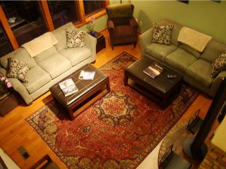 Cedar Tree House sleeps 8 to 24--Comfort & Beauty, Bellingham