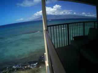 Private Oceanfront Gem|Hear waves|March 21-24 Sale, Lahaina