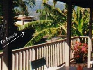 Deck- Upstairs to beach