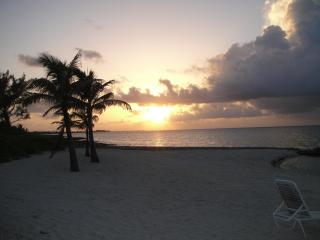 Cayman Paradise, Old Man Bay
