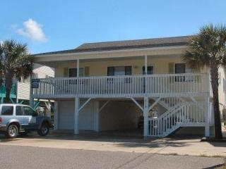 5BR Channel Home w/Golf Cart /Close to Pier/ WiFi, North Myrtle Beach
