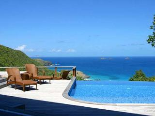 Rich & elegant Oriental flair with amazing views over Flamands Bay WV KUB, Colombier
