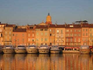 St Tropez old town, charming apartment near beach, Saint-Tropez